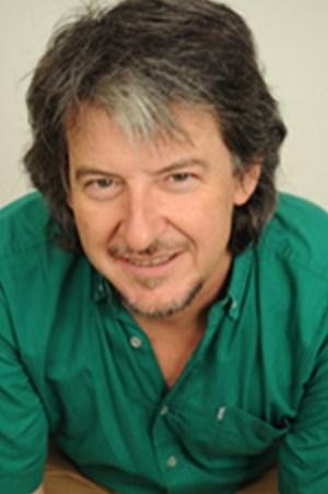 Cosmos 21 interpreta en SGAE a Valentín Ruiz, González Portela, Mariné, Legido y Galán